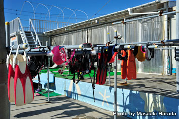 There is enough room for every diver to dry his/her equipment